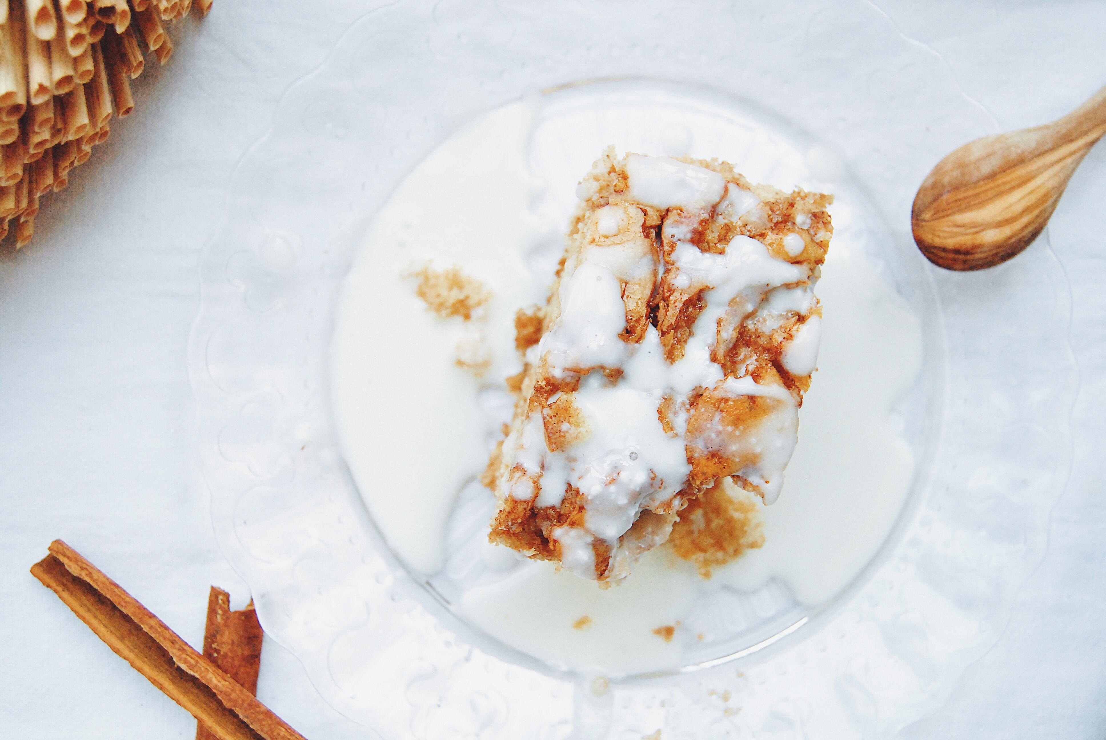 cinnamon roll cake 2
