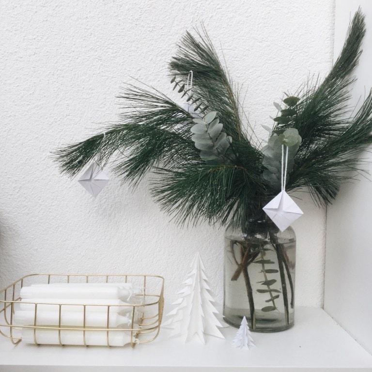 Weihnachtsdeko aus Papier Origami DIY