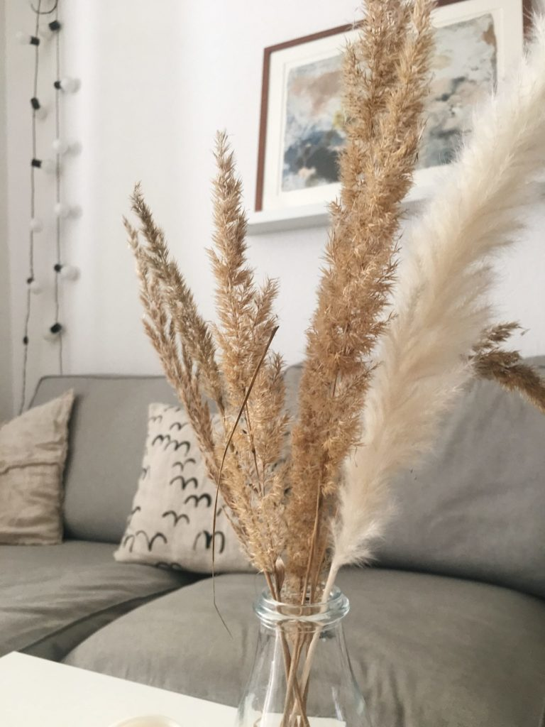 Wohnzimmer Deko herbstlich Gräser