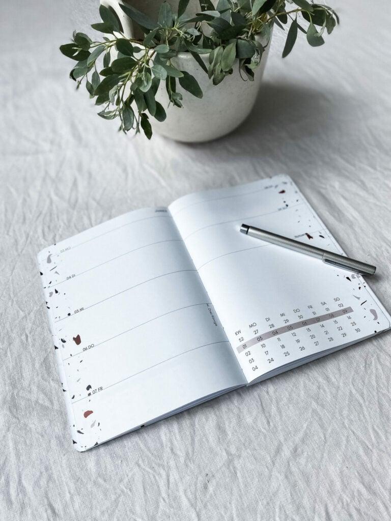 Kalender-2022-stilles-bunt-strandl
